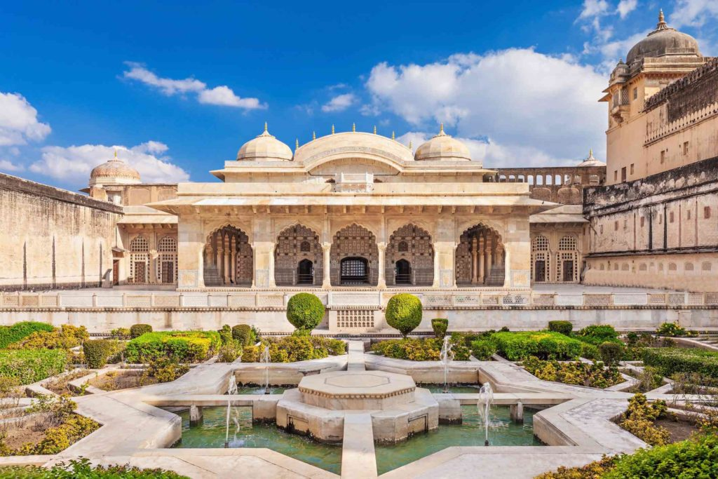 Amer fort, tourist places to visit in Jaipur
